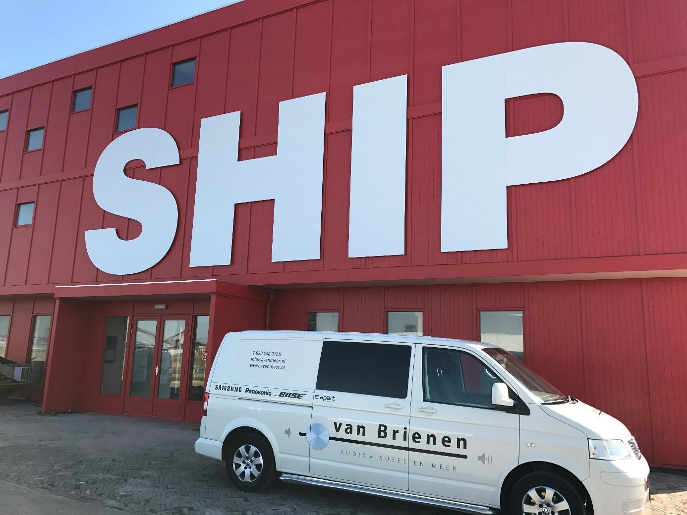 Ship-ijmuiden-bus-van-brienen-avenmeer